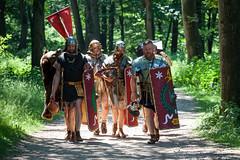 Romeinse legionairs op stap / RomeinenNU, Jeroen Savelkouls (Romeinselimes1) Tags: romeinennu romeinenfestival romeinen