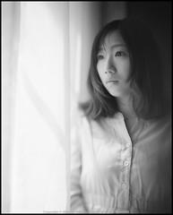 *DG (WangDingyi) Tags: graflexpacemakerspeedgraphic4x5 speedgraphic shanghaigp3 film 4x5 largeformat bw girl portrait leitz leitzwetzlar150mmf25hektor 150mm bokeh shanghai china