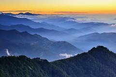 合歡山~雲霧山巒~  Mt. Hehuan Sunset (Shang-fu Dai) Tags: 台灣 taiwan 合歡山 主峰 3417m 雲海 clouds sunset mthehuan nikon d800e 夕陽 landscape afs24120mmf4 formosa 南投 nantou seaofclouds