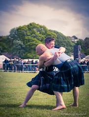 Scottish Backhold Wrestling (FotoFling Scotland) Tags: scotland kilt argyll scottish event athlete kilts wrestlers callum helensburgh kilted meninkilts zanegrey scottishbackholdwrestling backholdwrestling frazerhirsch helensburghhighlandgames