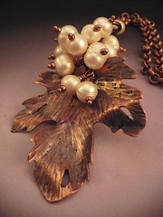 Gems in Bloom Pearl4 (alnbcollections2) Tags: leaves leaf pearls patina freshwater alnbcollections allisonlnorfleetbruenger fretworkalnbcollectionscopperjewelry alnbcollectionscopperjewelry alnbcollectionsjewelry