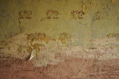 die ganz profane alltags-archaeologie: verlorene vier waende X (der zweite blick!) Tags: wallpaper abandoned wall pattern decay may mai sample layer tapete muster mauer verlassen verfall schichten 2013 derzweiteblick nikond90 andreasjurgenowski der2teblick
