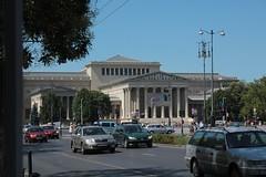 Piazza degli eroi (falco di luna) Tags: estate budapest buda vacanza pest capi ungheria trib piazzadeglieroi magiari