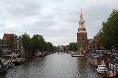 Oude Schans / Amsterdam (rob4xs) Tags: amsterdam mokum montelbaanstoren gracht canal woonboot houseboot hausboot water nederland thenetherlands netherlands holland hoofdstad capital