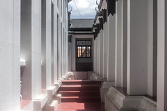 Outdoor Hallway (Gregory Desimone) Tags: red white black window architecture 35mm canon thailand temple rebel bangkok column t1i