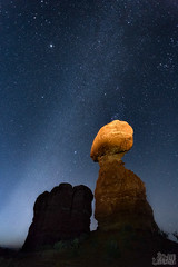 Now Or Never (Eddie 11uisma) Tags: park rock way stars utah arches national eddie milky balanced lluisma