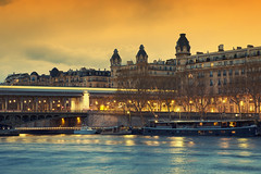 Paris Bir-Hakeim bridge (CreART Photography) Tags: street city travel light sunset shadow urban paris france color art abandoned love beautiful fashion seine canon river dark photography movement model frankreich europa raw ledefrance picture streetphotography frana toureiffel francia parijs pars  parigi  sena autofocus seineriver riosena laseine pary parys  pariis  excursionboats parizo rosena  fleuvefranais pars creartphotography