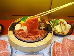 Sukiyaki @Takafuku, Haneda Tokyo International Airport (Phreddie) Tags: trip food japan lunch happy japanese restaurant tokyo airport yum beef egg delicious international eat sukiyaki biz haneda wagyu takafuku 201405東京出張2