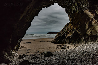 cave of the beach of Goulien