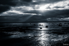 Descanso . Rest (selenis) Tags: sky portugal boat nikon barco dusk céu entardecer 2013 18200vr d80
