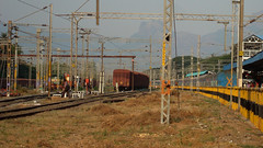 Palakkad Jn. Goods yard with Western Ghats in the background (Ashwin WAP5) Tags: india yard train evening is with background here goods western express seen palakkad southindia ghats southernrailway the ers alco jn indianrailways shunter bcna goc irfca 16382 capecstm