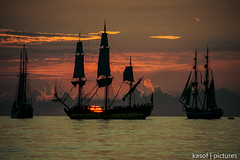 sailors dream - catching the sunset (kasof | pictures) Tags: ocean sunset red sky water warnemnde sailing ship sonnenuntergang sony ships meeting tourists event regatta sailo