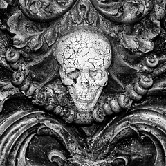 Ornate Skull at Coney Island (MichaelJagendorf) Tags: nyc newyorkcity blackandwhite bw newyork halloween skeleton coneyisland skull scary creepy horror lunapark jagendorf michaeljagendorf 2016029388