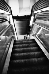 Escalator. (marie.lafleur2013@ymail.com) Tags: city paris france station train town frankreich escape metro escalator treppe bahn rolltreppe