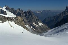 Chamonix, massif du Mont-Blanc, glacier du Gant (Ytierny) Tags: france horizontal neige chamonix crevasse montblanc glace alpinisme hautesavoie valleblanche et srac aiguillesdechamonix massifdumontblanc hautemontagne glacierdugant alpesdunord ytierny
