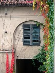 Abandoned house (Anteriorechiuso Santi Diego) Tags: autumn abandoned colors alone fear autunno gx7 abandoinedhouse