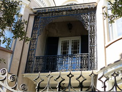 "Wrought-iron balcony ""frame"" -- The James Simmons House (1760), 37 Meeting Street, Charleston, SC (Hunky Punk) Tags: houses streets sc frames wroughtiron colonial southcarolina meeting charleston balconies 37 antebellum jamessimmons"