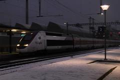 POS TGV am Bahnhof Bern Bmpliz Nord bei Bern im Kanton Bern in der Schweiz (chrchr_75) Tags: train de tren schweiz switzerland suisse suiza swiss eisenbahn railway zug sua locomotive christoph dezember svizzera bahn treno schweizer chemin centralstation sveits fer locomotora tog juna lokomotive lok sviss ferrovia zwitserland sveitsi spoorweg suissa locomotiva lokomotiv ferroviaria  locomotief chrigu  szwajcaria rautatie 1312   2013 bahnen zoug trainen  chrchr hurni chrchr75 chriguhurni chriguhurnibluemailch dezember2013 albumbahnenderschweiz2013712