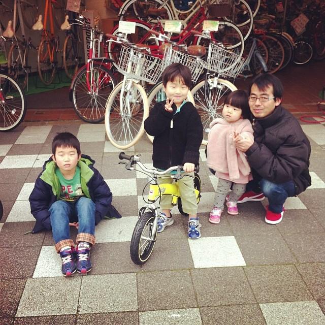 本日のへんしんキッズ!三人兄妹☆超仲がイイ! #eirin #へんしんバイク #バランスバイク #キックバイク #ホビーバイク #黄色 #12