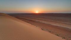 Atardecer en el desierto (monchoparis) Tags: canon eos sand desert dune sable arena desierto duna oman wahiba omn 500d wahibasands  canon1022     sharqiyasands nomadicdesertcamp    sultanatdoman   sultanatodeoman
