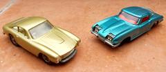 Ferrari 250 GT Lusso & Chevrolet Corvette C2 (Zappadong) Tags: chevrolet car toy model ferrari gt corvette c2 modell spielzeug 250 matchbox modelcar siku diecast lusso modellauto spielzeugauto zappadong