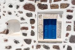 DSC01361_s (AndiP66) Tags: sigma24105f4 santorini egeo griechenland gr akrotiri window fenster church kirche blue blau white weiss santorin thira thera greece cyclades kykladen caldera aussicht view september 2016 hellas ellada sony sonyalpha 77markii 77ii 77m2 a77ii alpha ilca77m2 slta77ii sigma24105mmf4dghsmart sigma 24105mm amount andreaspeters