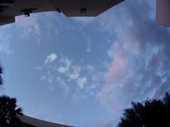 20160927_181626 (wendycastilloy) Tags: sky cielo nubes rosa libertad pasado