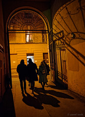 In an arch (pavel iovik) Tags: russia stpetersburg city ancient gate arch night silhouettes figures lighting olympus iovik paveliovik 17 1718 17mm 18