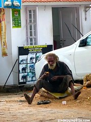 "Kochin calles • <a style=""font-size:0.8em;"" href=""http://www.flickr.com/photos/92957341@N07/8750564376/"" target=""_blank"">View on Flickr</a>"