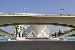 Valencia - City of Arts and Sciences 72 (Romeodesign) Tags: bridge santiago cinema eye valencia museum architecture modern spain geometry curves under perspective front symmetry calatrava dome planetarium brcke hdr imax brdige ciudaddelasartesylasciencias lhemisfric flixcandela cityofartsandsciences 550d elmuseudelescinciesprncipefelipe puentedemonteolivet