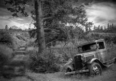 Vineyard Truck (evanffitzer) Tags: truck vineyard antique winery kelowna canoneos60d evanffitzer evanfitzer