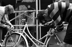 amsterdam (wojofoto) Tags: amsterdam straatfoto streetphoto fiets bike lock slot candid zw zwartwit bw stadsarchief wojofoto wolfgangjosten
