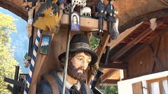 Oberammergau (duenensand) Tags: oberbayern oberammergau lftlmalerei ammer kunsthandwerk holzschnitzereien ammertal fassadenmalerei herrgottsschnitzer