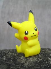 Pikachu (The Moog Image Dump) Tags: electric toy vinyl ken pikachu pokémon 2007 bandai satoshi tajiri ピカチュウ sugimori
