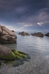 la flota (bachmont) Tags: sea espaa beach water clouds mar andaluca spain agua rocks mediterranean playa amanecer nubes rise cdiz rocas mediterrneo torreguadiaro
