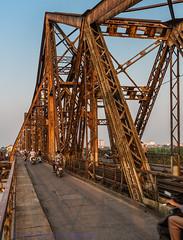 Long Bin Bridge - Hanoi (Keith Mulcahy) Tags: city travel bridge vacation people buildings holidays chaos vietnam busy redriver hanoi motorbikes crowds girders oldquarter longbinbridge canon5dmk3 september2013 keithmulcahy blackcygnusphotography ppa7a0 ppd56c