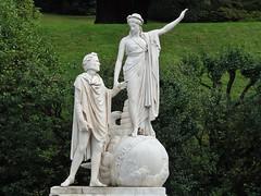 Dante e Beatrice (fata_ci) Tags: statue italia bellagio lombardia giardini villamelzi