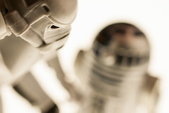 Checking out the droid (S Cansfield) Tags: light trooper macro toy star nikon box r2d2 figure stormtrooper wars 40mm droid 118 d300 spacetrooper