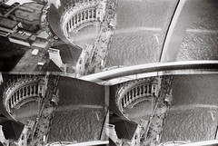 Lomo in London (Maria Spadafora (@BloodyNoraDJ)) Tags: blackandwhite bw london film analog 35mm lens lomo lomography londoneye aerial 35mmfilm analogue triple aerialphotography robocam disderi lomogram toyplasticcamera robotcamera