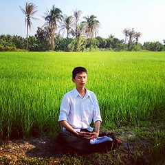 ลมหายใจเข้า ลมหายใจออก ดั่งดอกไม้บาน .... ♡ #Buddhists #bleach #farm #green #nature #natural #sky #Amazing #Thailand #beautiful #love #instagood