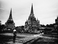 Wat Phra Si Sanphet (Meljoe San Diego) Tags: thailand blackwhite 28mm grain highcontrast gritty gr ricoh ricohgr meljoesandiego