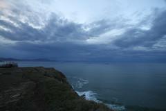 Rumbo al puerto (Txaro Franco) Tags: sea costa puerto mar country bilbao abra bizkaia basque euskadi nube vizcaya itsasoa cantbrico lagalea kantauri uribekosta hodeia kostaldea