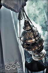 La Cena - Semana Santa de Huelva (Laura Crdenas) Tags: espaa church spain christ god faith huelva iglesia andalucia virgin cruz believe rosario fe cristo velas amen virgen dios andalusian pasos penitente penitencia cirios costumbre religin creer sagradacena semanasana lasantacena saintweek