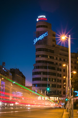 Schweppes (Artun York) Tags: madrid street spain sokak ispanya madrit canon rebel t2i 550d canon550d canon50mm18stm canon50mm canont2i streetphotography rawstreetphotography streets capital city lights lighttrail traillights
