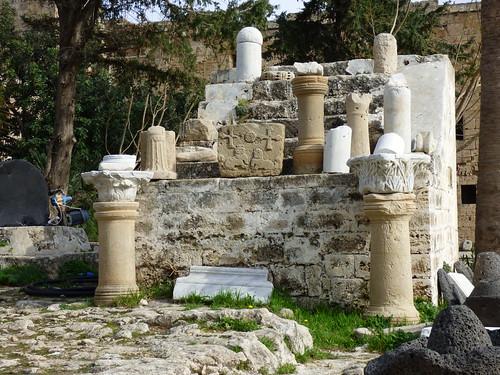 Girne - castle courtyard (6)