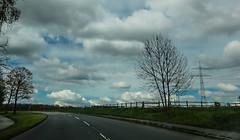 12-04-24 lurv wolk dsc01256 (u ki11 ulrich kracke) Tags: gitter kurve salingen strommast wolkedunkel