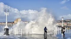 In Fraganti (JTVfoto) Tags: beach water sea mar ola paseo marítimo gijón