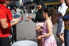 Coca Cola promotie (Gerard de Boer) Tags: street 6 rotterdam cola candid sony coca zero straat promotie nex binnenwegplein