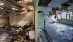 Collge abandonn (Bastien Mejane) Tags: france college seine canon nikon flickr et ambience fisheyes abandonn marne nemours desaffect 1000d