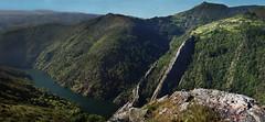 Sarzol, desde el mirador de San Esteban de los Buitres (concejo de Illano) (Geli-L) Tags: asturias illano ríonavia sanestebandelosbuitres sarzol